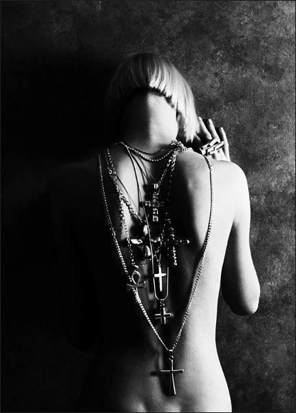 sexy-crucifix-erotica