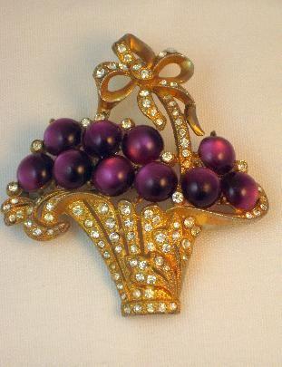 Vintage 1930's Purple Moonglow Lucite Flower Basket Brooch