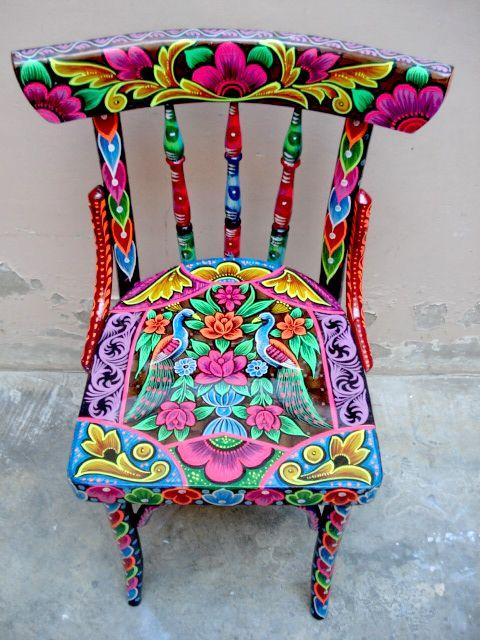 Hermosa silla con detalles muy mexicanos.