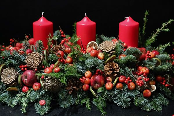 Christmas Table Decorations by Phillo Flowers