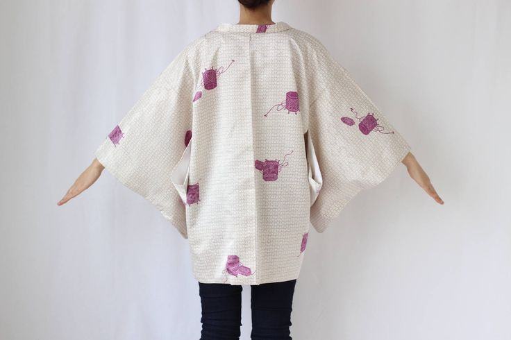 Etsy のkimono jacket, Haori, white Japanese kimono, oriental clothing /1443(ショップ名:LitreJapan)