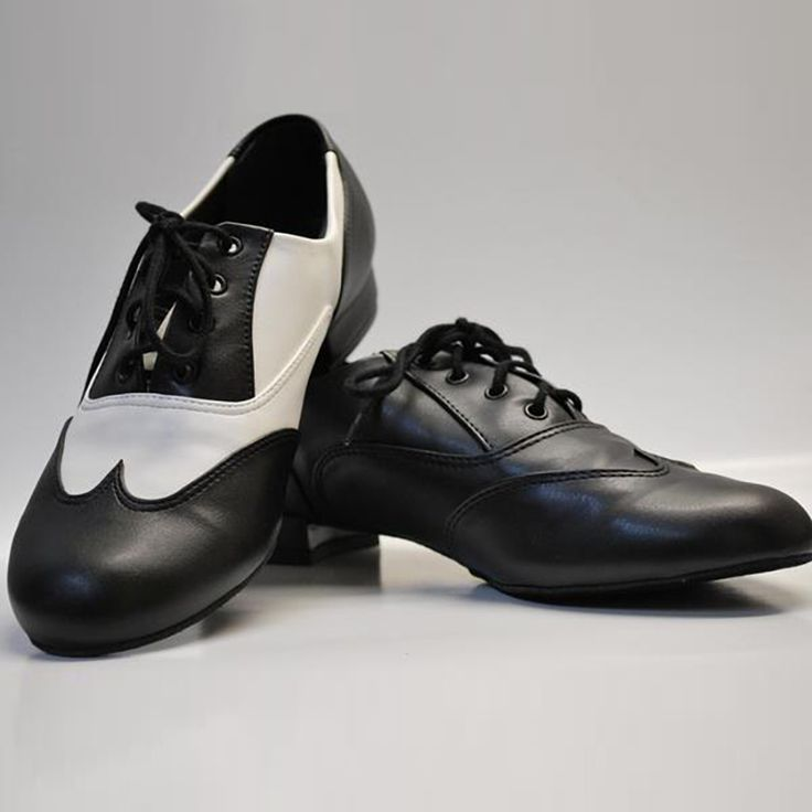 The%20Adult%20Classic%20Oxford%20Jazz%20Shoe%20from%20So%20Danca%20is%20perfect%20for%20jazz%2C%20swing%2C%20and%20others%20forms%20of%20social%20dance.%20It%20features%3A%20%20%20%20%20%20%20%95%20Flexible%20suede%20sole%20%20%20%20%20%20%20%20%20%95%20Rubber%20heel%20%20%20%20%20%20%20%20%20%20%95%20Breathable%20man-made%2C%20wing-tip%20stitched%20upper%20%20%20%20%20%20%20%95%20Cushioned%20insole%20%20
