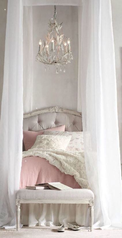 Shabby & pretty bedroom