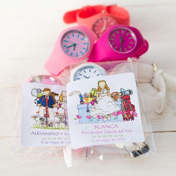 Recuerdo de Comunión reloj en distintos colores para niño y niña con pegatina personalizada para regalar a tus invitados
