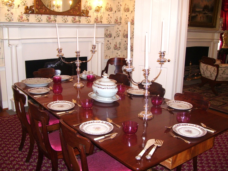 The dining room at the Mary Todd Lincoln House in Lexington, KY