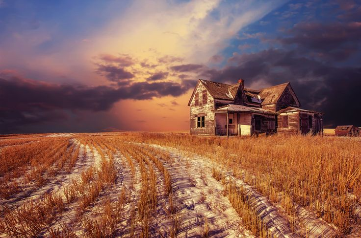 Abandoned house in Saskatchewan, Canada. So beautiful.