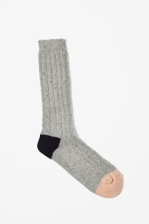 my favorite colors as a sock? i can't refuse. ++ Chunky Ribbed Socks by COS