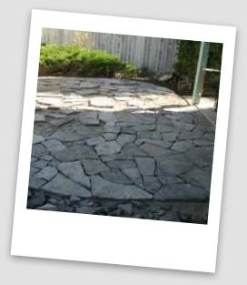How to lay flagstone for a patio.  www.dream-yard.com