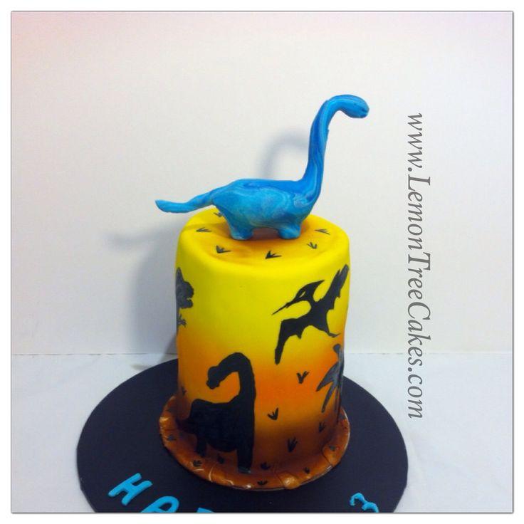 Dinosaur cake... Rarrrr  Hand painted cake ..