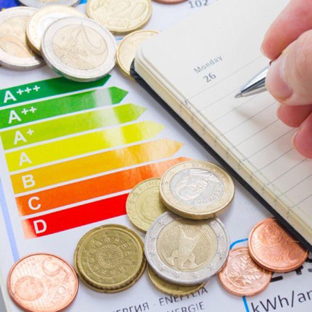 Lavastoviglie o lavare a mano? Risparmia acqua e energia! Come scegliere gli elettrodomestici. http://buff.ly/1iL3d3X