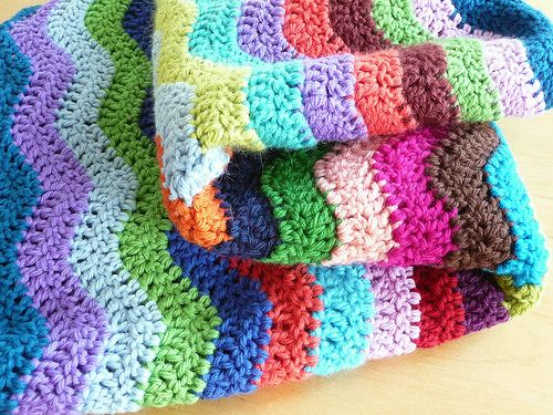 How to Crochet a Blanket | nice and happy ripple blanket in glorious hues.