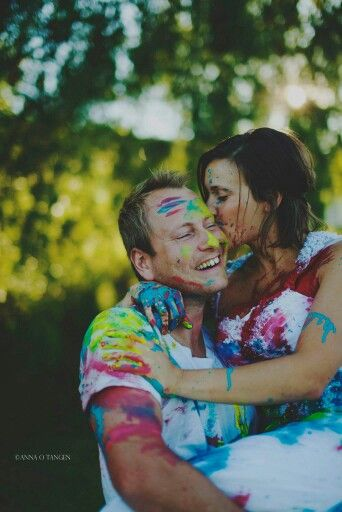 Trash the dress #tradition #love #summer #bride #wedding #dress #painting #color #colorful