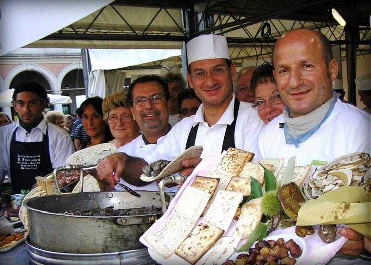 Cibo di strada, street food in Italy, uliczne jedzenie we Włoszech.