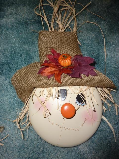 Painted pot lid..toletownphoto - Cute!...