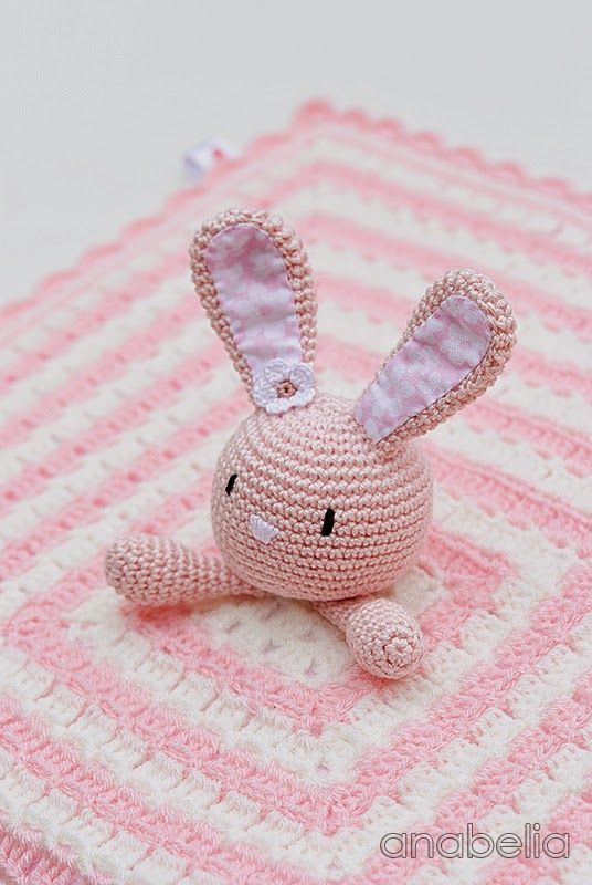 Superb! There are still so many inspirations of crochet creations here | Bunny security blanket by Anabelia