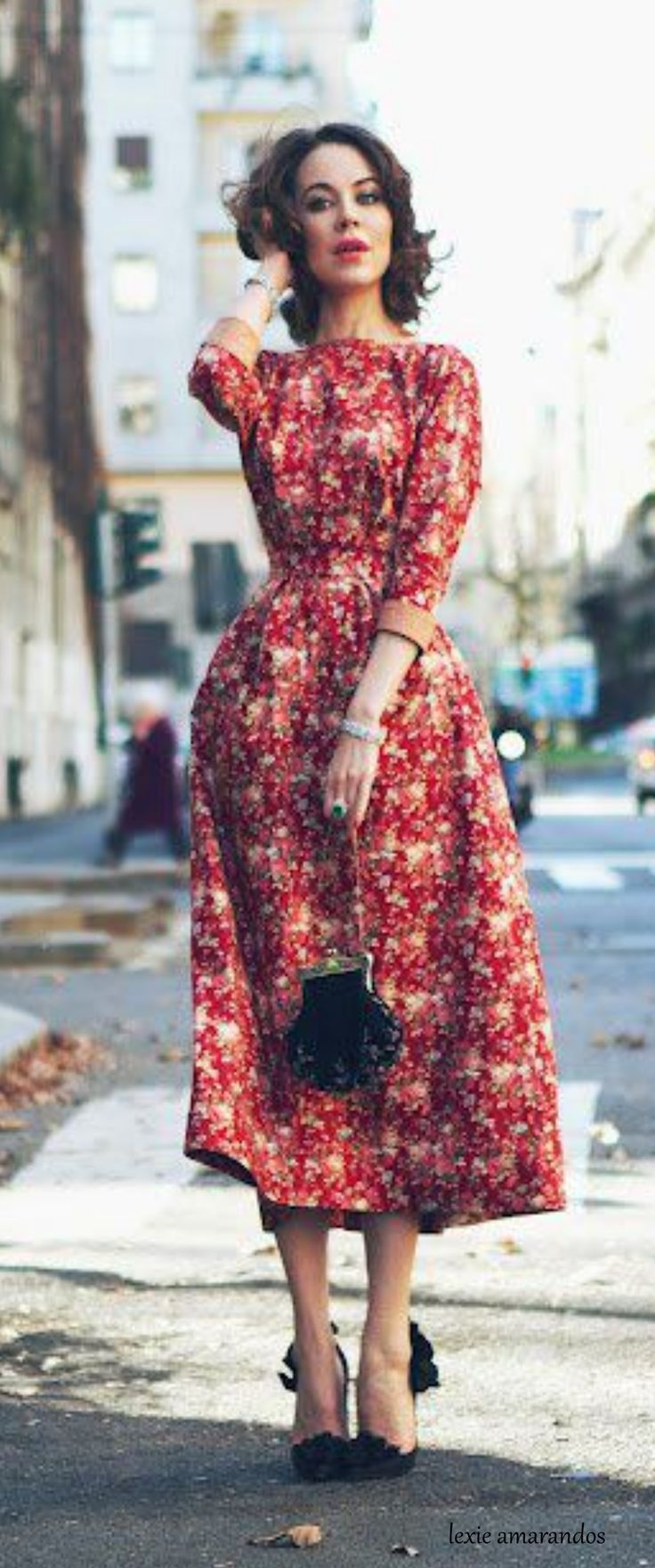 Ulyana Sergeenko - pretty floral dress with the perfect shade of lipstick. 2d20922259c