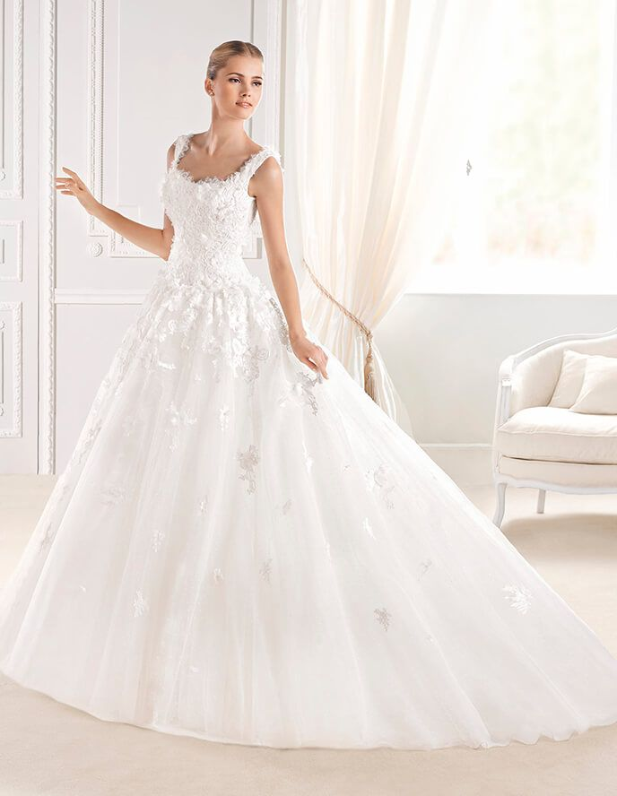 Perfect ERLINDA wedding dress from the Glamour La Sposa collection