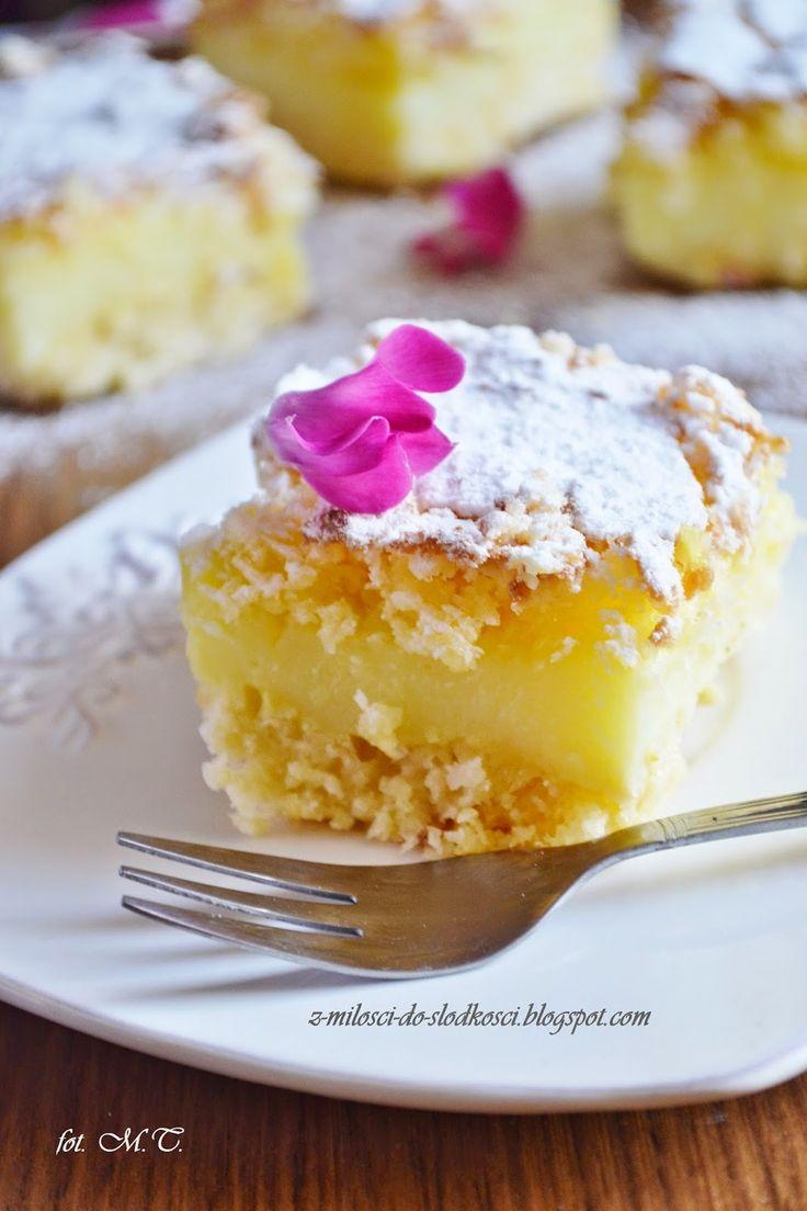 Z miłości do słodkości...: Odchudzone kremówki kokosowe według Ewy Wachowicz