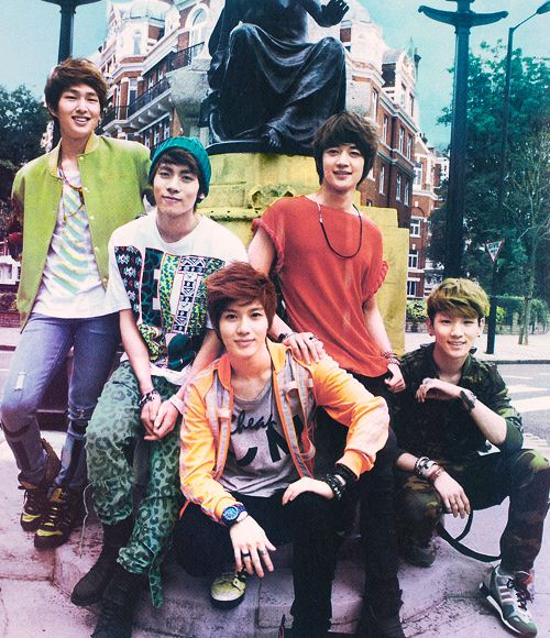 SHINee. Jong Hyun's outfit is a definite no!!<<lol
