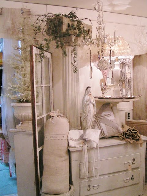 store display with french shabby chic ideas blossoms vintage chic shabby chic pinterest. Black Bedroom Furniture Sets. Home Design Ideas