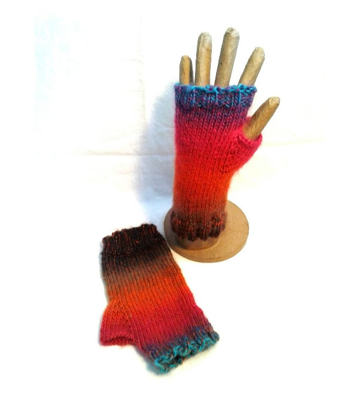 Sunset Fingerless Gloves - Mint by Design
