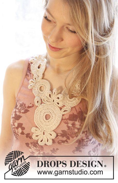 "Gehäkelte DROPS Halskette aus ""Cotton Viscose"". DROPS Design: Modell Nr. n-150 ~ DROPS Design"