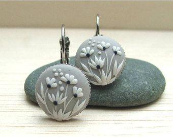 Blue Floral Earrings Blue Earrings Dangle Earrings por Floraljewel