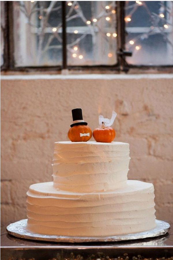 Schauen Sie sich die besten Möglichkeiten an, wie Sie Ihrem Hochzeitstag im Herbst Kürbis hinzufügen können, wie dieser Herbst …   – Wedding Cakes