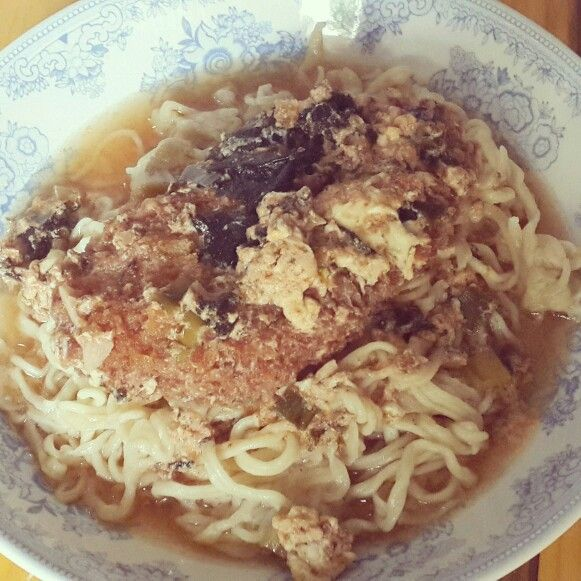Sunday's Cooking : Chicken Katsudon Ramen - by @bachiennn. Yum!