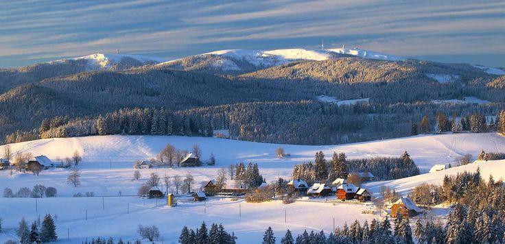 Winterurlaub im Schwarzwald - Blick auf den Feldberg