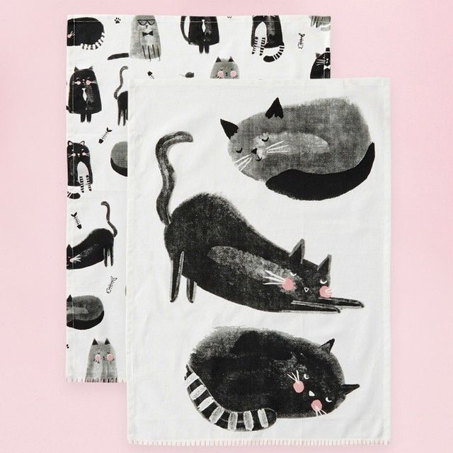 Friday has got us feline fine! Shop this puuuur-fect tea towel set in-store and online.