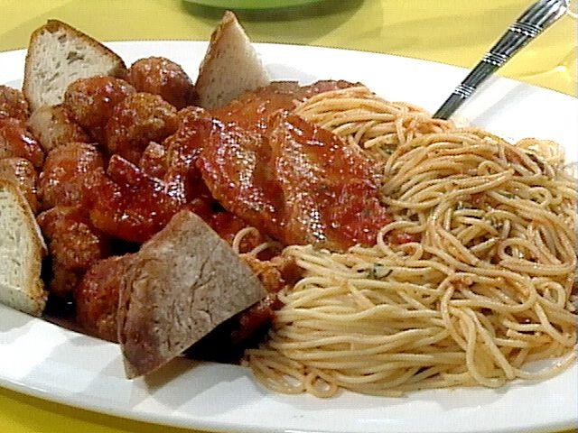 Sunday Gravy and Macaroni (Spaghetti, really) Recipe : Rachael Ray : Food Network - FoodNetwork.com