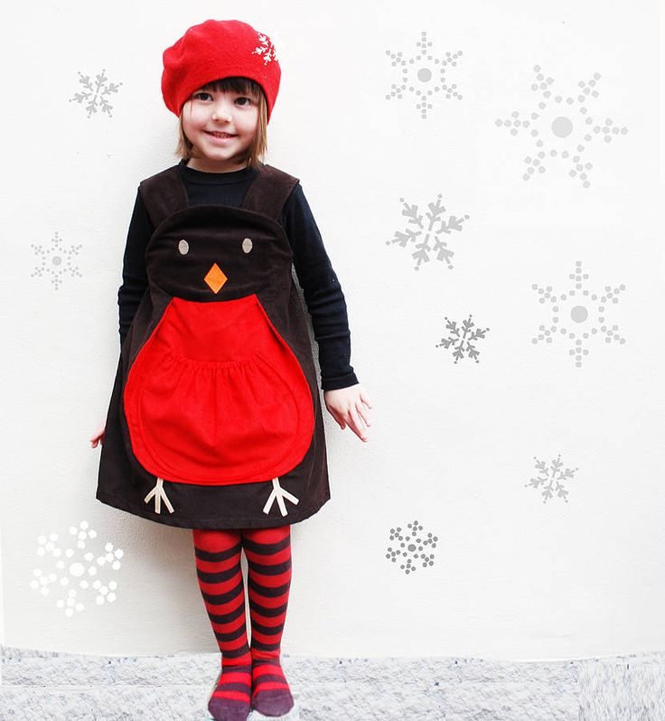 A Christmas robin play dress costume with delightful robin applique face and a pouch tummy with little feet.This Christmas Robin girls dress is perfect for play this Christmas, is sure to be a favourite piece. The Christmas Robin childrens Dress up costume grows with your child as it features two adjustable buttons. An exclusive Wild Things Christmas character play dress,handmade in the UK. Promoting play through everyday clothing.100% cotton European quality super soft cord. 30 degree…