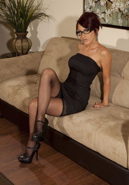Milf tight dress and glasses   Sexy Mother   Pinterest