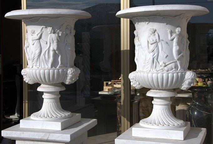 Vasi Marmo Bianco Angeli e Satiri
