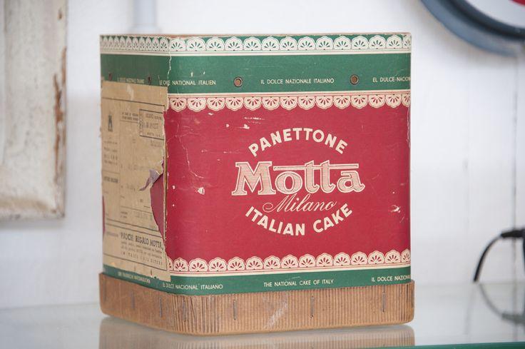 Vecchia scatola di panettone Motta vintage (1956)