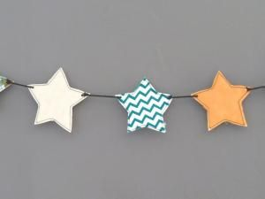 Tuto DIY : Une guirlande d'étoiles en chutes de tissu - par Clemence-Oiseau