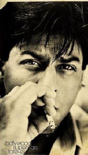 Shahrukh Khan smoking<3