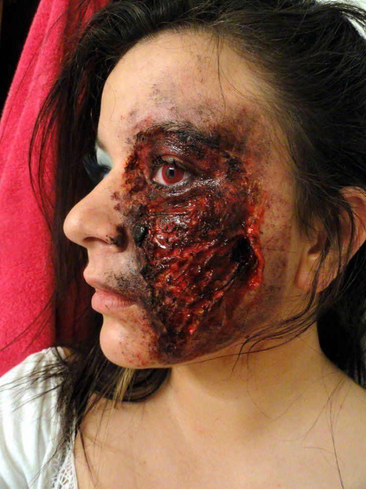 Pin for Later: 101 Real-Girl Halloween Costumes That Are Terrifyingly Gorgeous Grotesque Gash