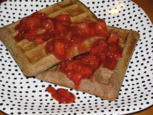 Strawberry Shorcake Waffles Each waffle covered in strawberry goodness has- Calories: 135 Fat: 2 Fiber: 4 Protein: 5 Carbs: 27