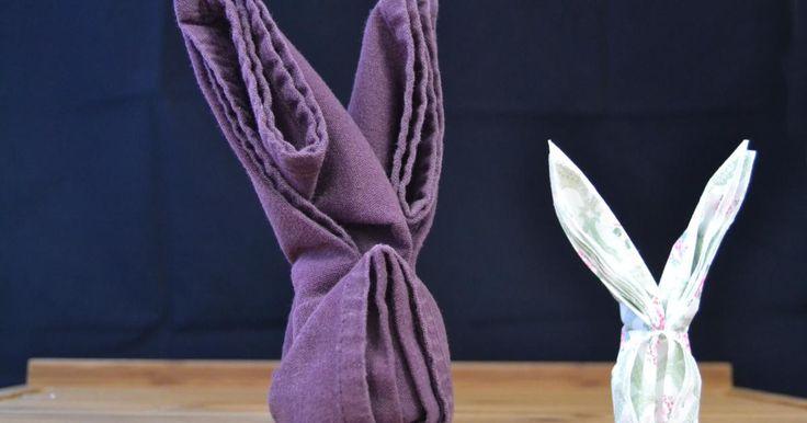 Les 25 meilleures id es de la cat gorie pliage serviette lapin sur pinterest pliage serviette - Pliage serviette ourson ...