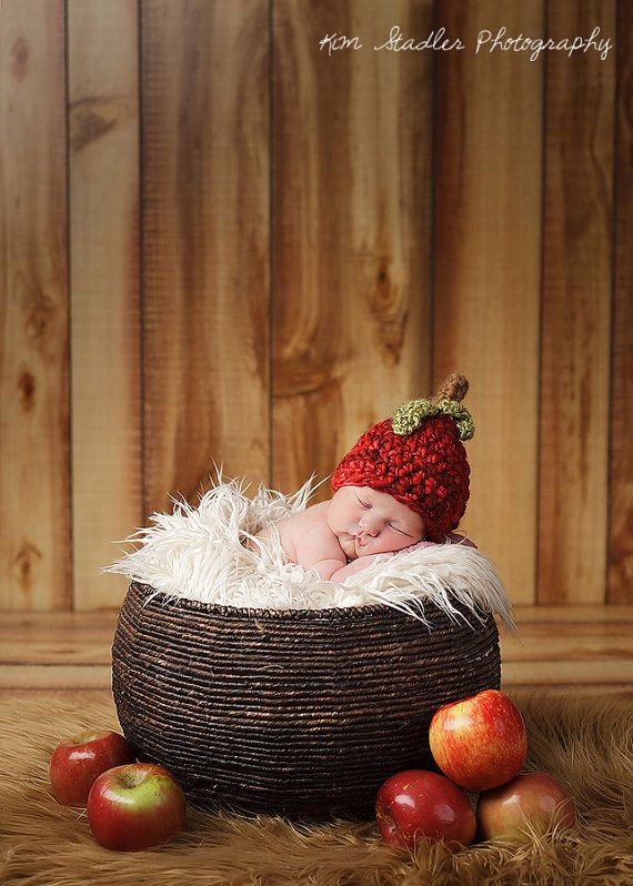 Newborn Red Delicious Apple Hat Photography Prop by juliehernandez