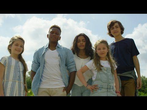 """Kids United - """"L'Oiseau Et l'Enfant"""" (Clip - Officiel) - YouTube"""