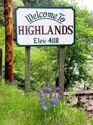 Highlands, North Carolina-Quaint restaurants and cute little shops. One of our favorite places.