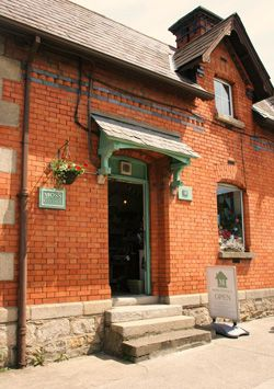 Moss Cottage in Dundrum, in the Republic of Ireland is a contemporary gift shop with modern country home decor.