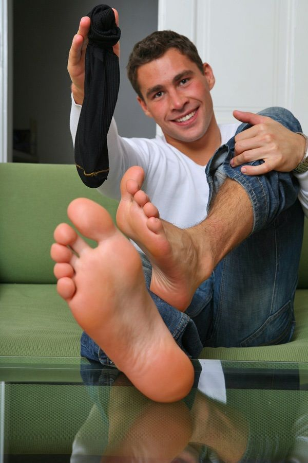 nude guys bare feet