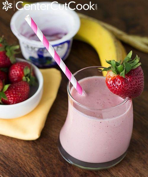 Berry banana yogurt smoothie 5
