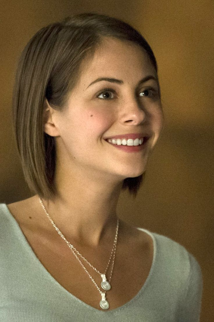 Willa Holland (Bobbed) | Beautiful Bobs