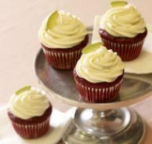 Avocado Red Velvet Mini Cupcakes with Honey Avocado FrostingHoney Avocado, Frostings Recipe, Mini Cupcakes, Avocado Frostings, Avocado Recipe, Velvet Minis, Red Velvet Cupcakes, Minis Cupcakes, Avocado Red