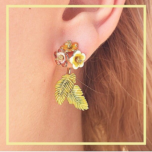 🌿🌺:: Tropical Through & Through Earrings :: 🌼🌿 Grab 20% off these statement summer earring in-store & online until Monday! ✨  .  .  .  #BillSkinner #tropical #tropicana #summerwardrobe #leafearrings #throughearrings #earringjackets #earcuff #hibiscus #hibiscusearrings #kent #design #jewellerylover #jewelrydesigner #tropicalfashion #enamel #handcarved #handpainted